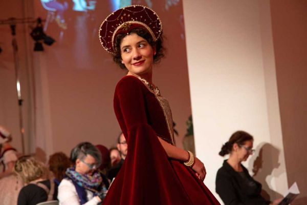 show19-herbststrasse-petra-lutnyk-45431F8DBA-2280-FCBC-CF57-6A95E0DCF86A.jpg