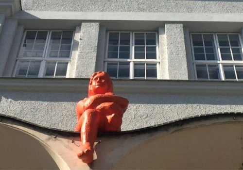 Die Skulptur!
