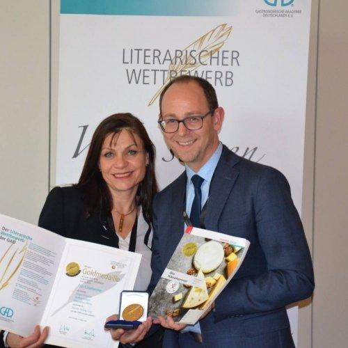 """Goldmedaille für HUM-Schulbuch """"Die Käsekenner""""!"""
